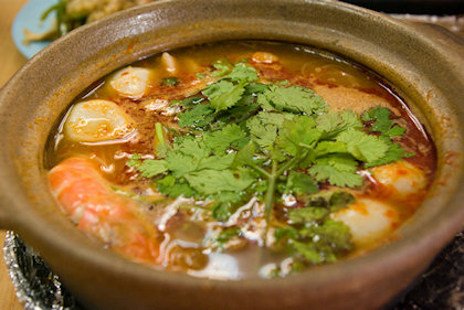 ... ALGJ ordered a clay pot tomyam beehoon.